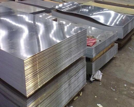热镀锌高速护栏板厂家